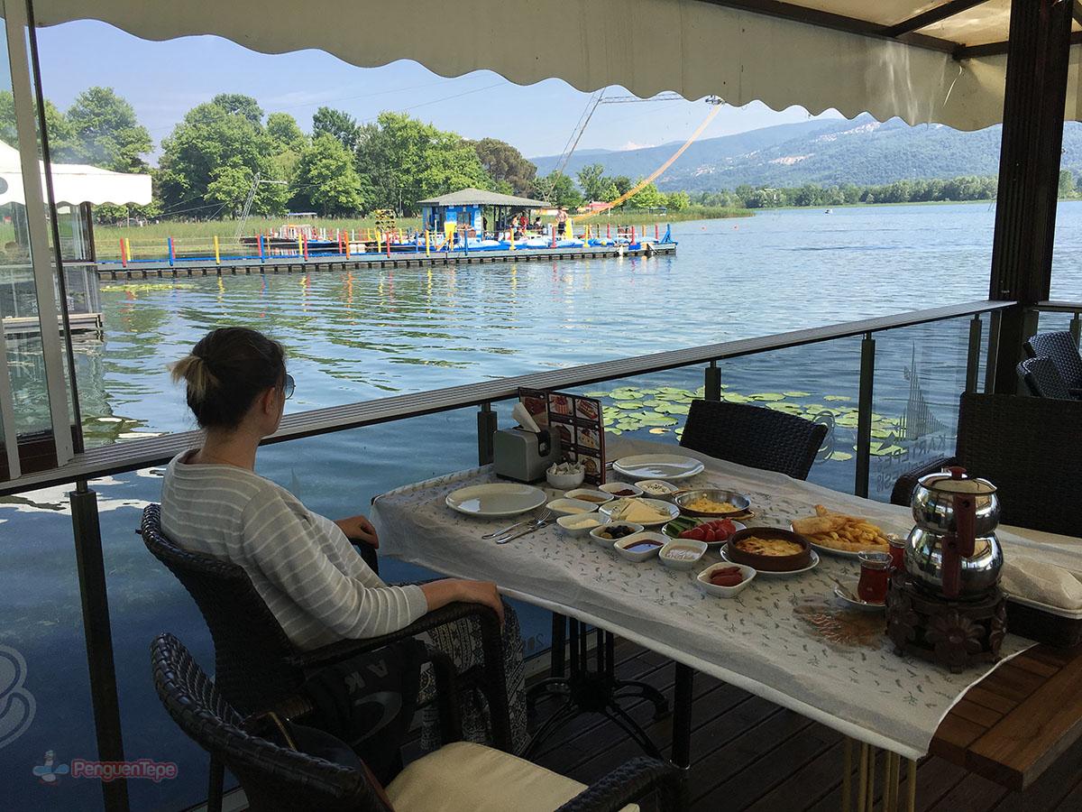 sapanca gölü kartepe kahvaltı