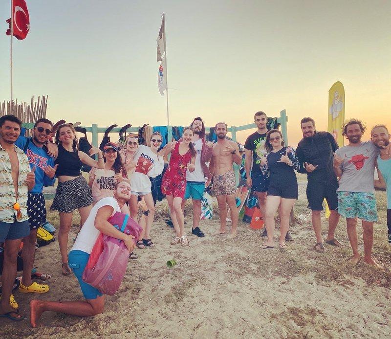 Kitesurf kurs öğrencileri plajı